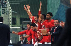 olympiacos-piraeus-celebrates-eb16